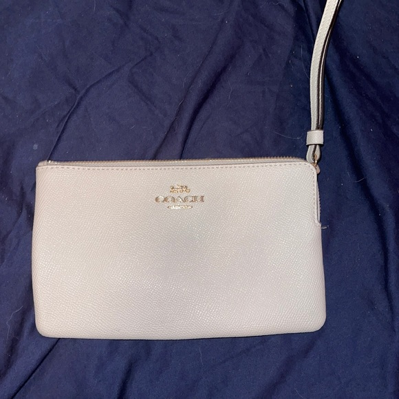 "Coach large leather wristlet NWT 8"" x 5"""